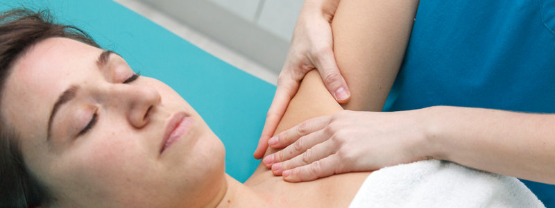 Using-osteopathic-massage-as-ways-to-feel-less-stressed